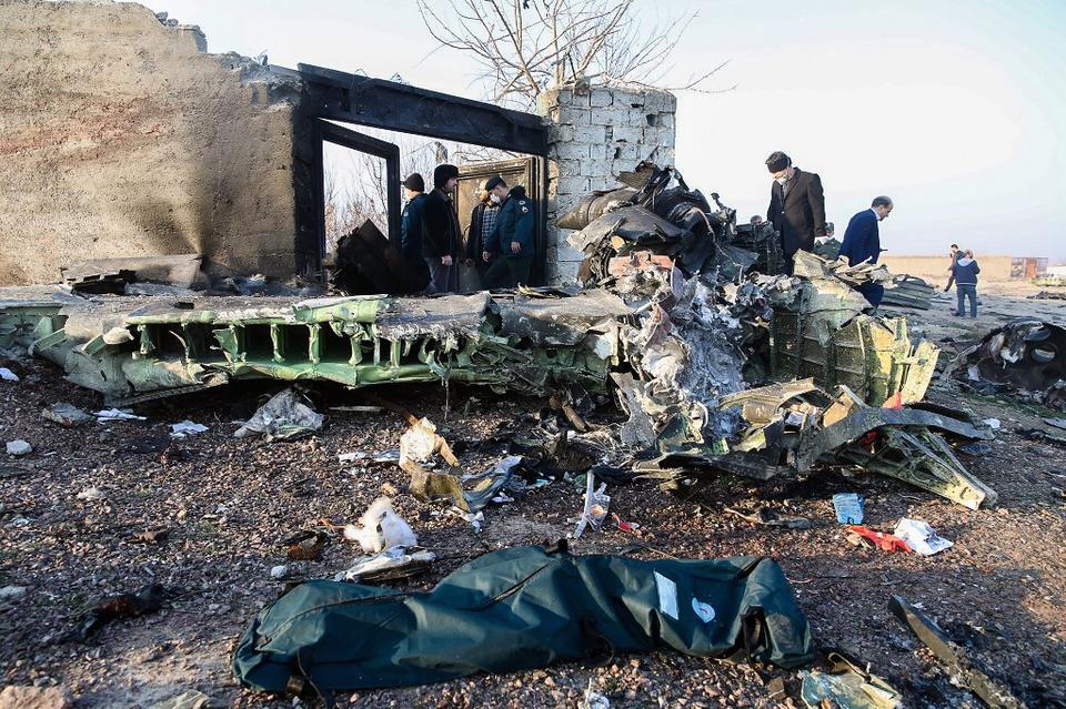 All passengers killed in Ukrainian plane crash near Tehran