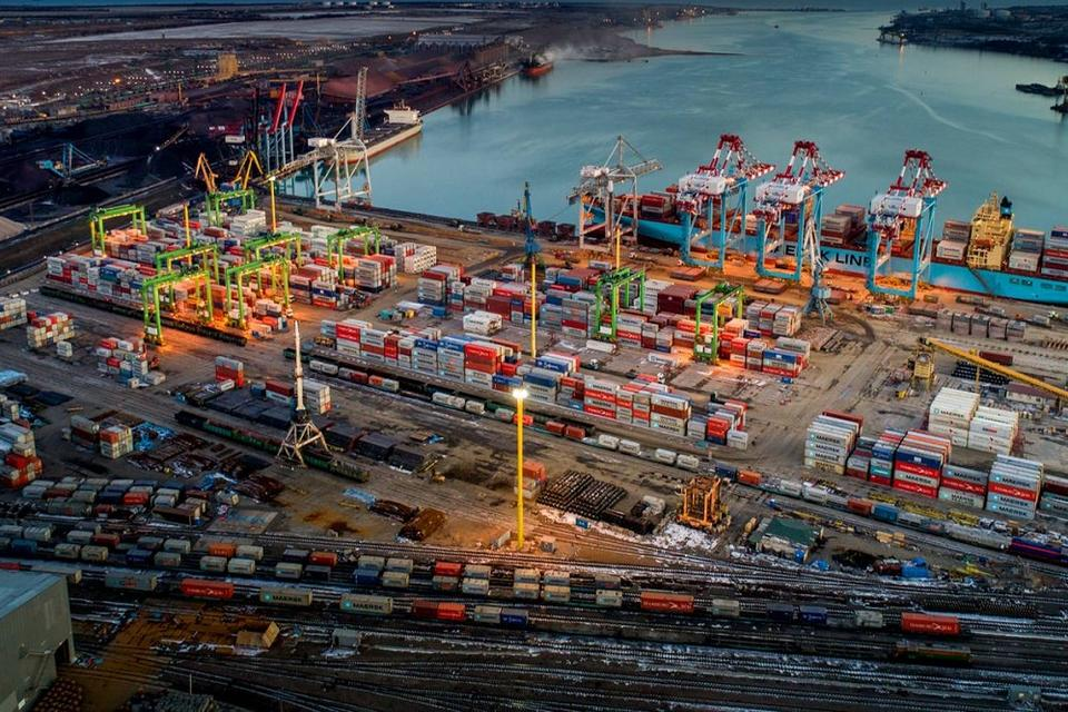 DP World agrees deal to buy stake in Ukrainian port terminal