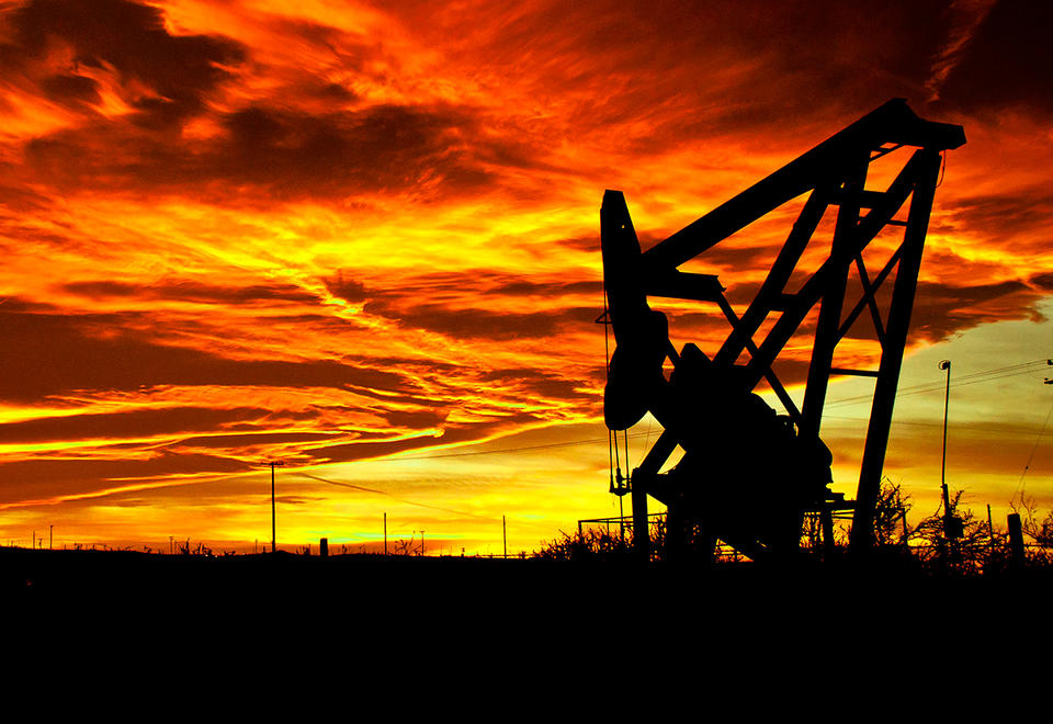 Oil prices extend losses on price war, virus fallout