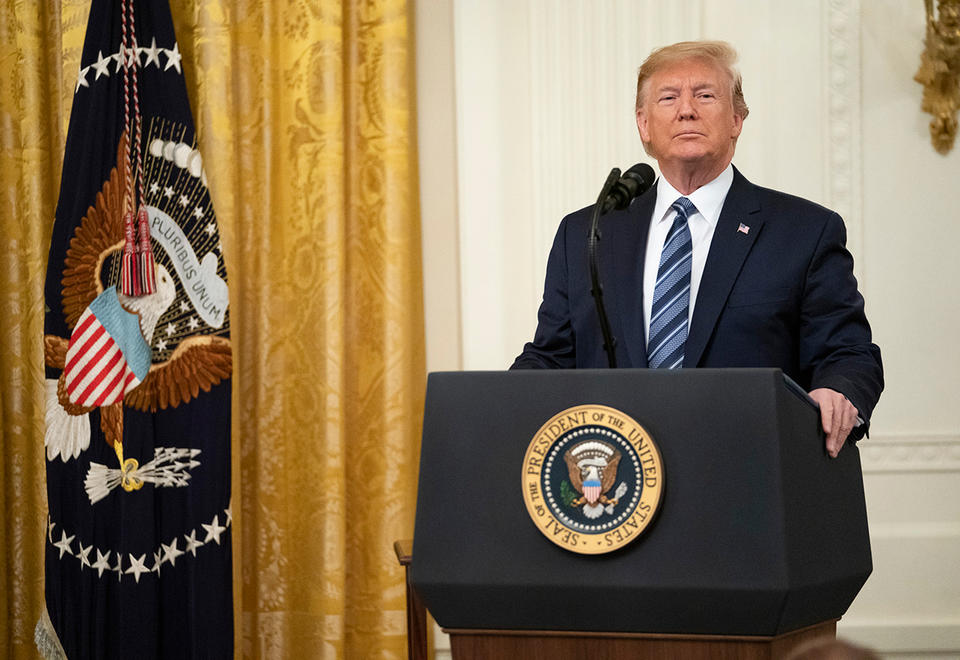 Trump threatens tariffs on oil if Saudi, Russia spat continues