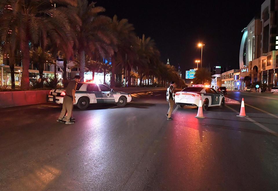 Saudi seals off three cities after second coronavirus death