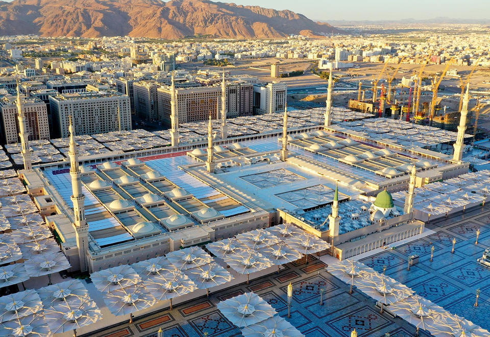 Saudi extends suspension of prayers at Two Holy Mosques for Ramadan
