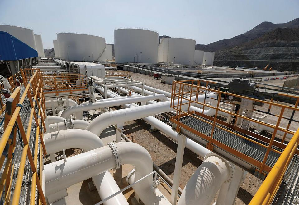 Crisis-hit oil market in frantic hunt for storage