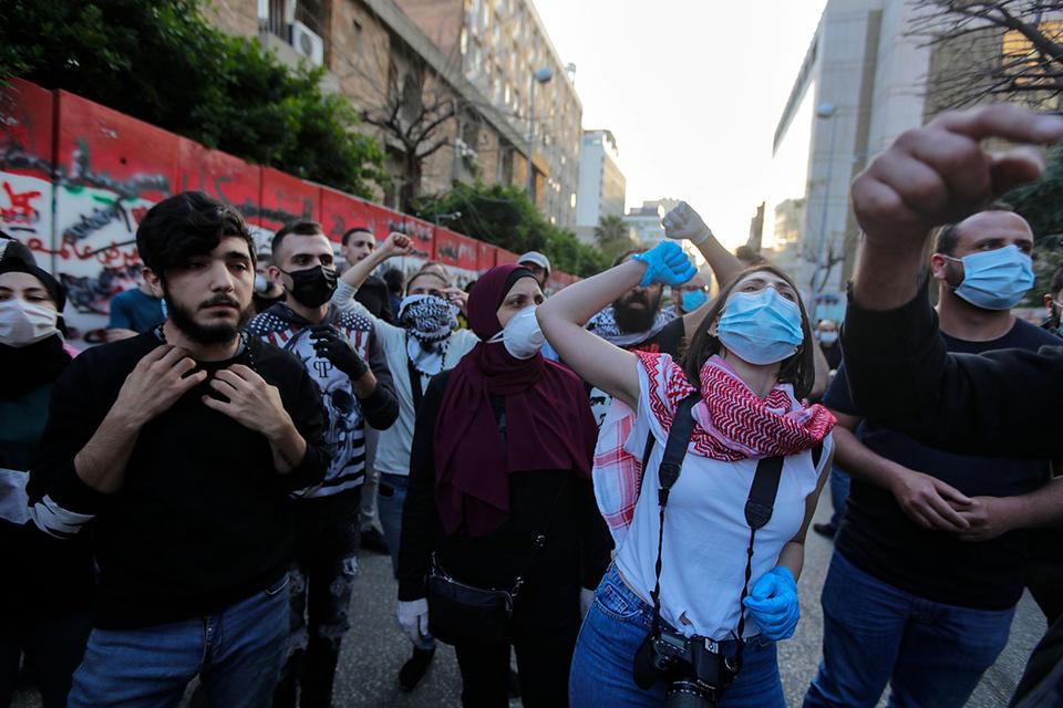 Amid protests, Lebanon to approve economic rescue plan