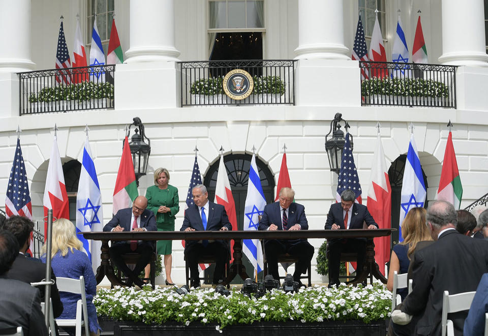 Israel establishes full ties with Bahrain, UAE at White House